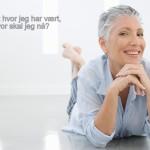 voksen kvinne ser fremover